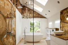 Banheiro com Claraboia